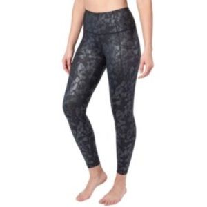 Yogalicious | Black floral with black ground